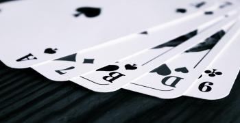 Ein Foto von Spielkarten